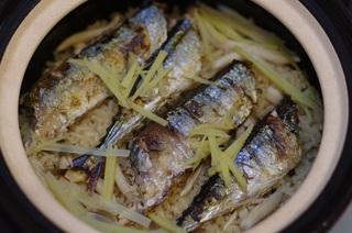 土鍋 サンマ炊き込みご飯